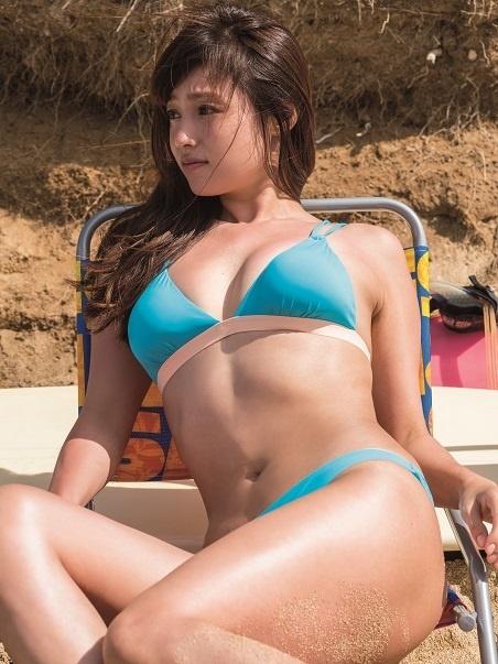深田恭子最新写真集エロ画像!日に日にエロくなる成熟巨乳ボディがオナニー捗りすぎて困るンゴwwwwwwww・2枚目の画像