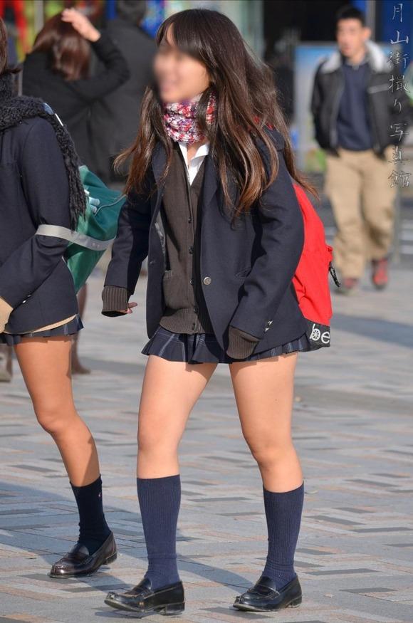 【素人JK】何もよりも女子高生の下半身太ももは美味しそうな件wwwwwww(盗撮エロ画像あり)・8枚目の画像