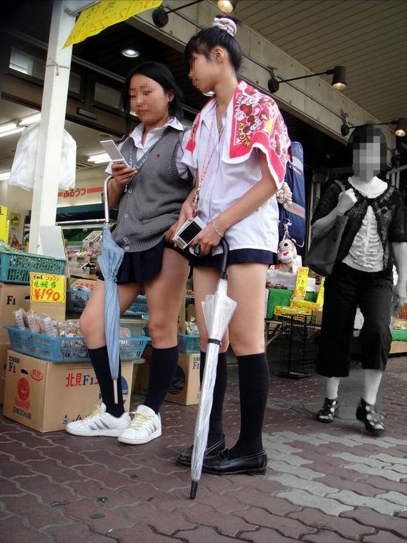 【素人JK】何もよりも女子高生の下半身太ももは美味しそうな件wwwwwww(盗撮エロ画像あり)・12枚目の画像