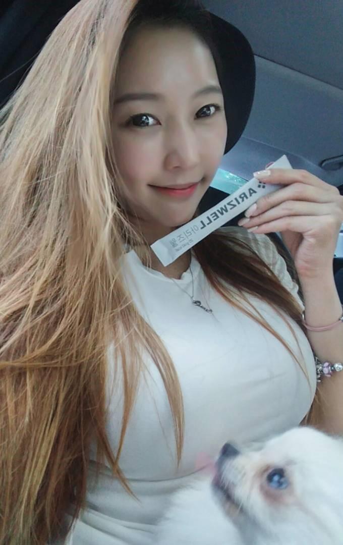 豊胸万歳!韓国美女の着衣巨乳&インスタ自撮りエロ画像65枚・20枚目の画像