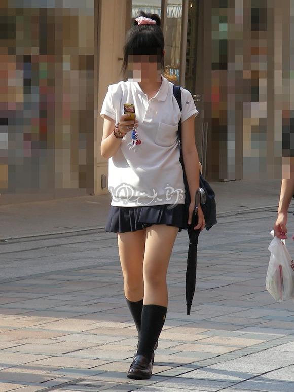 【素人JK】何もよりも女子高生の下半身太ももは美味しそうな件wwwwwww(盗撮エロ画像あり)・19枚目の画像