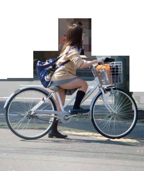 【素人JK】何もよりも女子高生の下半身太ももは美味しそうな件wwwwwww(盗撮エロ画像あり)・25枚目の画像
