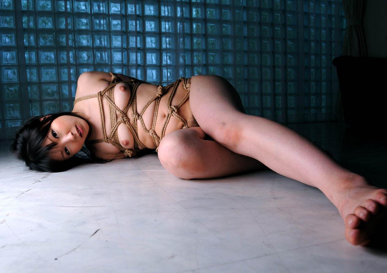 軽い拘束プレイ等…ソフトSMされてるM女のエロ画像30枚・25枚目の画像