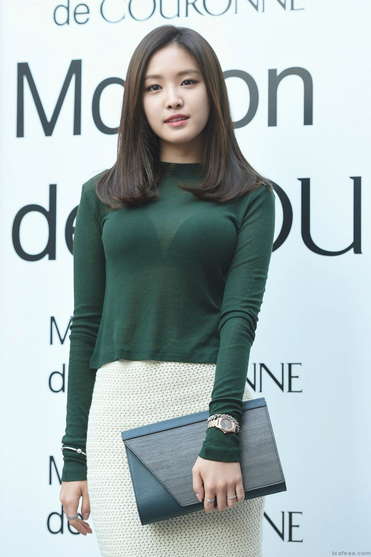 豊胸万歳!韓国美女の着衣巨乳&インスタ自撮りエロ画像97枚・27枚目の画像