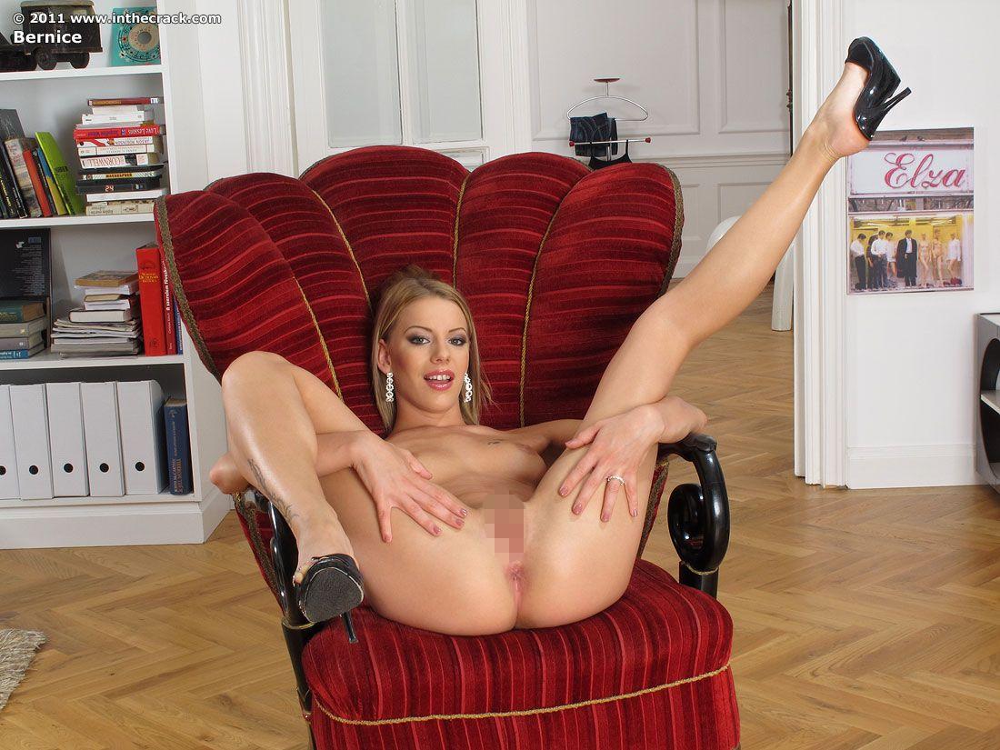 オマンコくぱぁしてる海外美女のエロ画像30枚・39枚目の画像