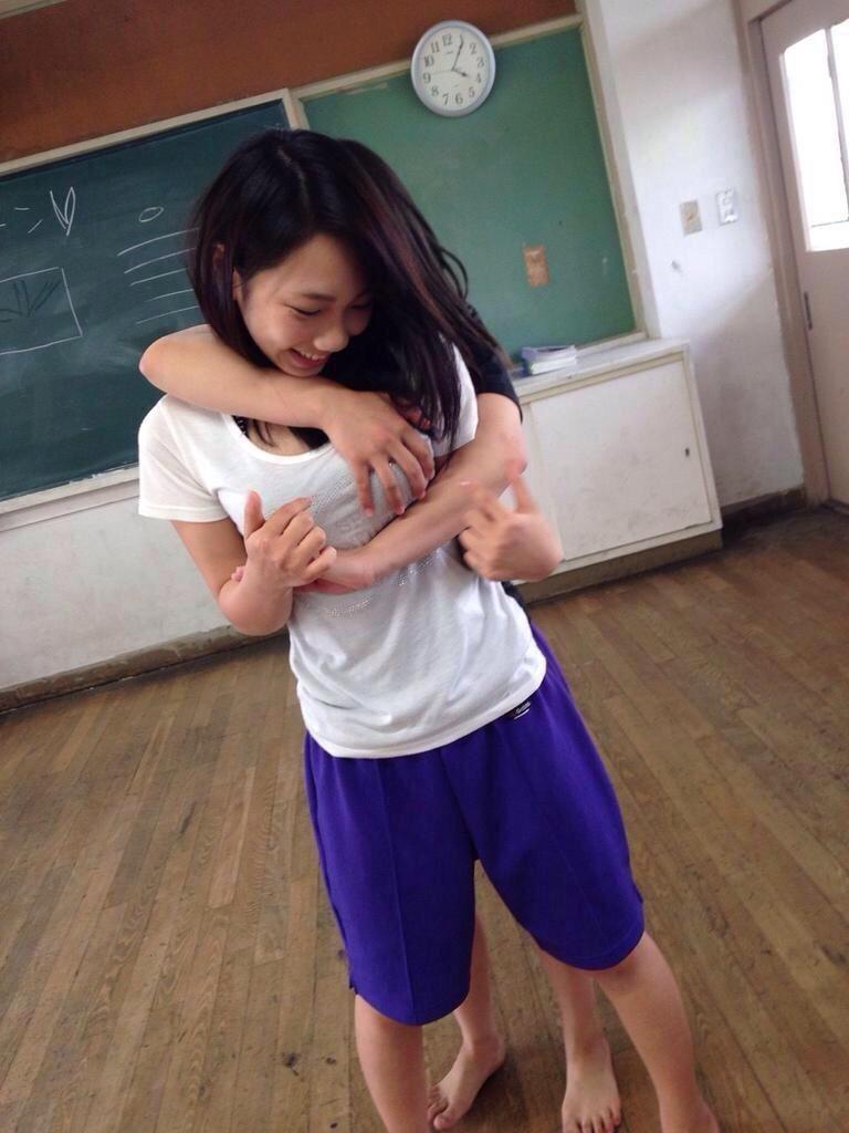 【エロ画像】体操服やジャージ姿の今時女子校生ってえろすぎねえかwwwwwwwwwwwwwww(画像あり)