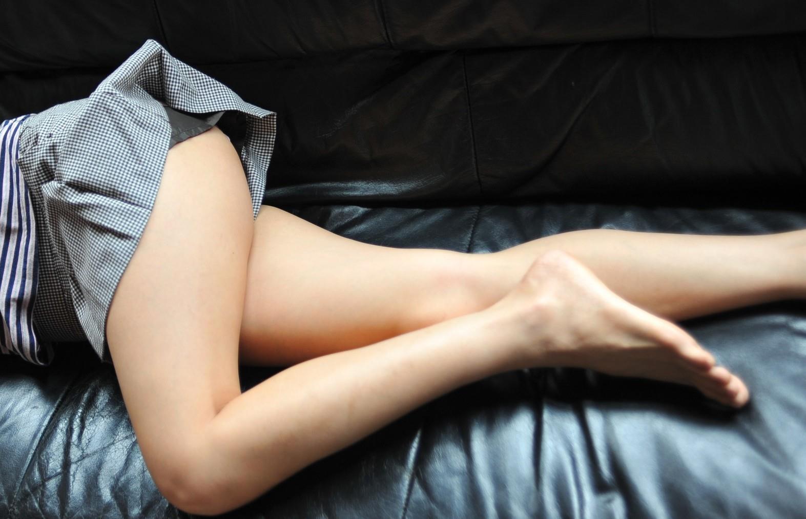 太ももフェチ専用の美脚女子のエロ画像35枚・2枚目の画像
