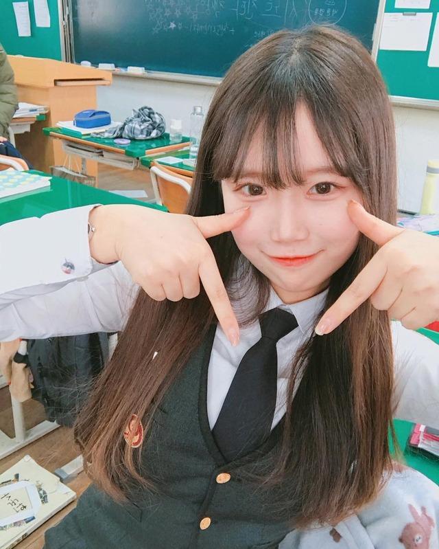 【JK】韓国・台湾・中国の非処女女子高生のSNSがエロすぎてザー汁止まんねえええええええ(画像あり)・3枚目の画像