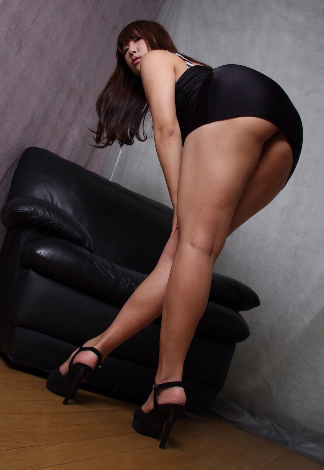 太ももフェチ専用の美脚女子のエロ画像35枚・8枚目の画像