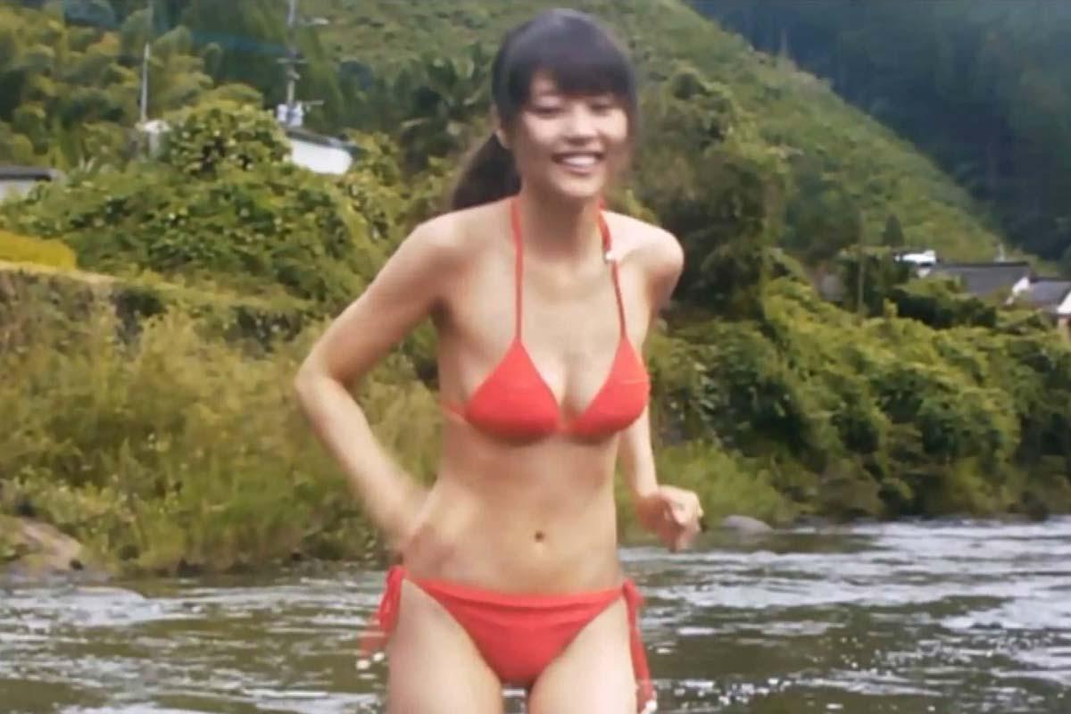 有村架純の紅白胸チラ谷間や乳首水着姿のエロ画像233枚・27枚目の画像