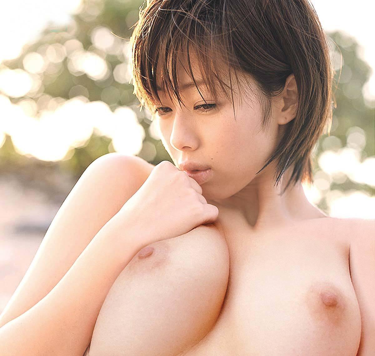井上和香 ぬーどえろ写真27枚☆Fカップロケット乳に分厚い唇がぐうシコwwwwww