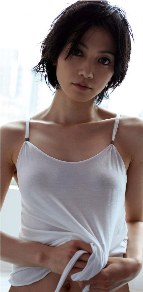 【エロ画像】遠藤久美子 セミぬーどえろ画像30枚☆エンクミ38才の完熟体が結構えろくてまだまだイケるwwwwwwwww