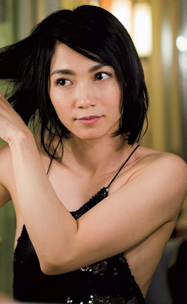 遠藤久美子 セミヌードエロ画像30枚!エンクミ38歳の完熟ボディが結構エロくてまだまだイケるwww・3枚目の画像