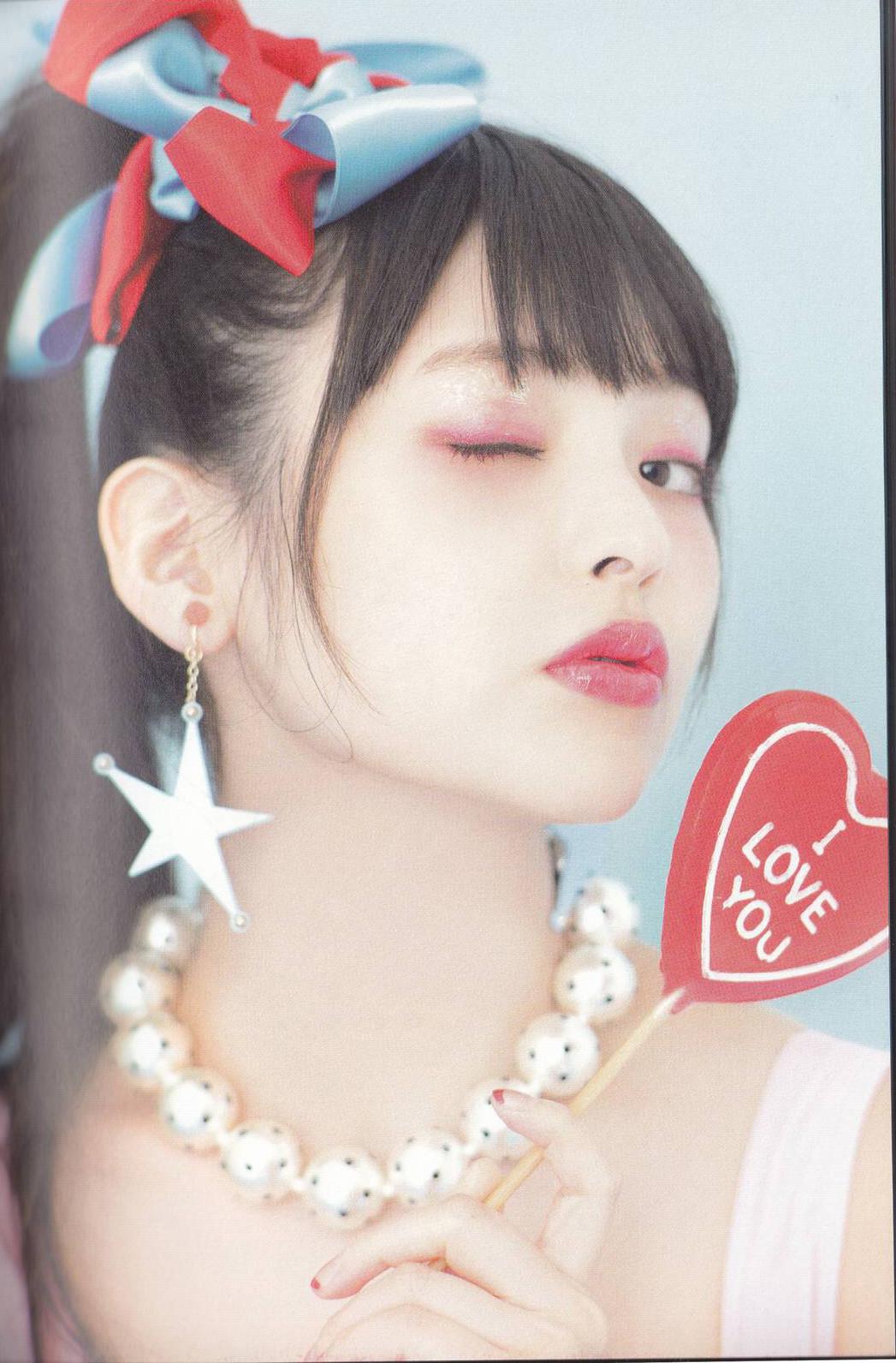 上坂すみれ(25)のアイコラ&Eカップ水着姿のエロ画像50枚・15枚目の画像