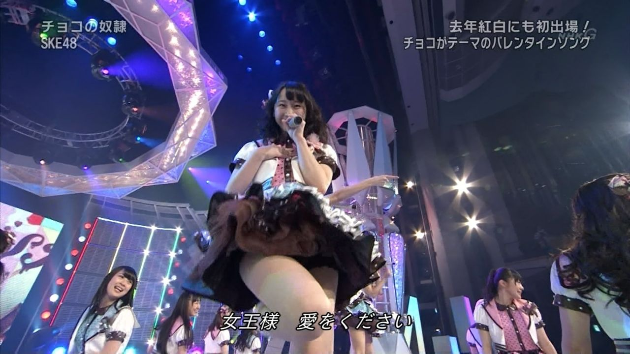 歌番組ローアングルパンチラ エロ画像25枚!AKB48等のアイドル達の下半身がマジ抜けるwww・5枚目の画像