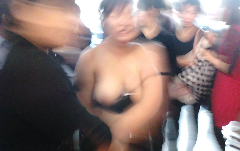 中国人 全裸ヌード露出狂エロ画像25枚!日本とはまた違う狂気を感じる露出プレイwww・6枚目の画像