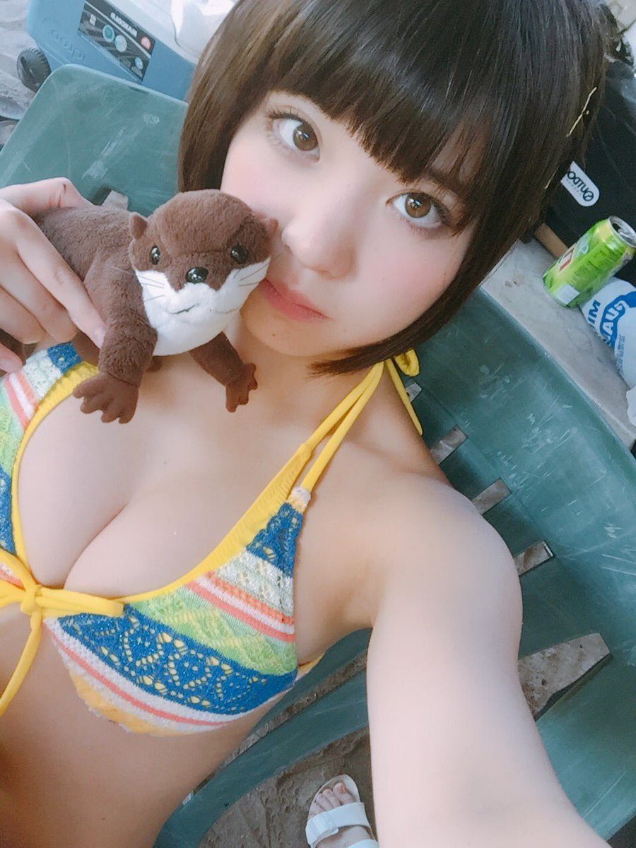 根本凪(18)GカップJKアイドルの水着グラビアエロ画像60枚・17枚目の画像