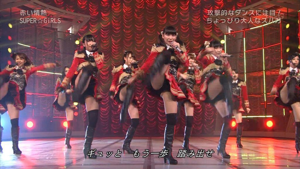 歌番組ローアングルパンチラ エロ画像25枚!AKB48等のアイドル達の下半身がマジ抜けるwww・10枚目の画像