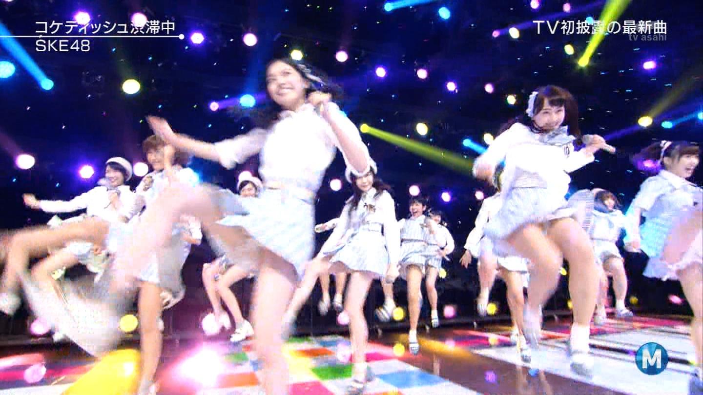 歌番組ローアングルパンチラ エロ画像25枚!AKB48等のアイドル達の下半身がマジ抜けるwww・12枚目の画像