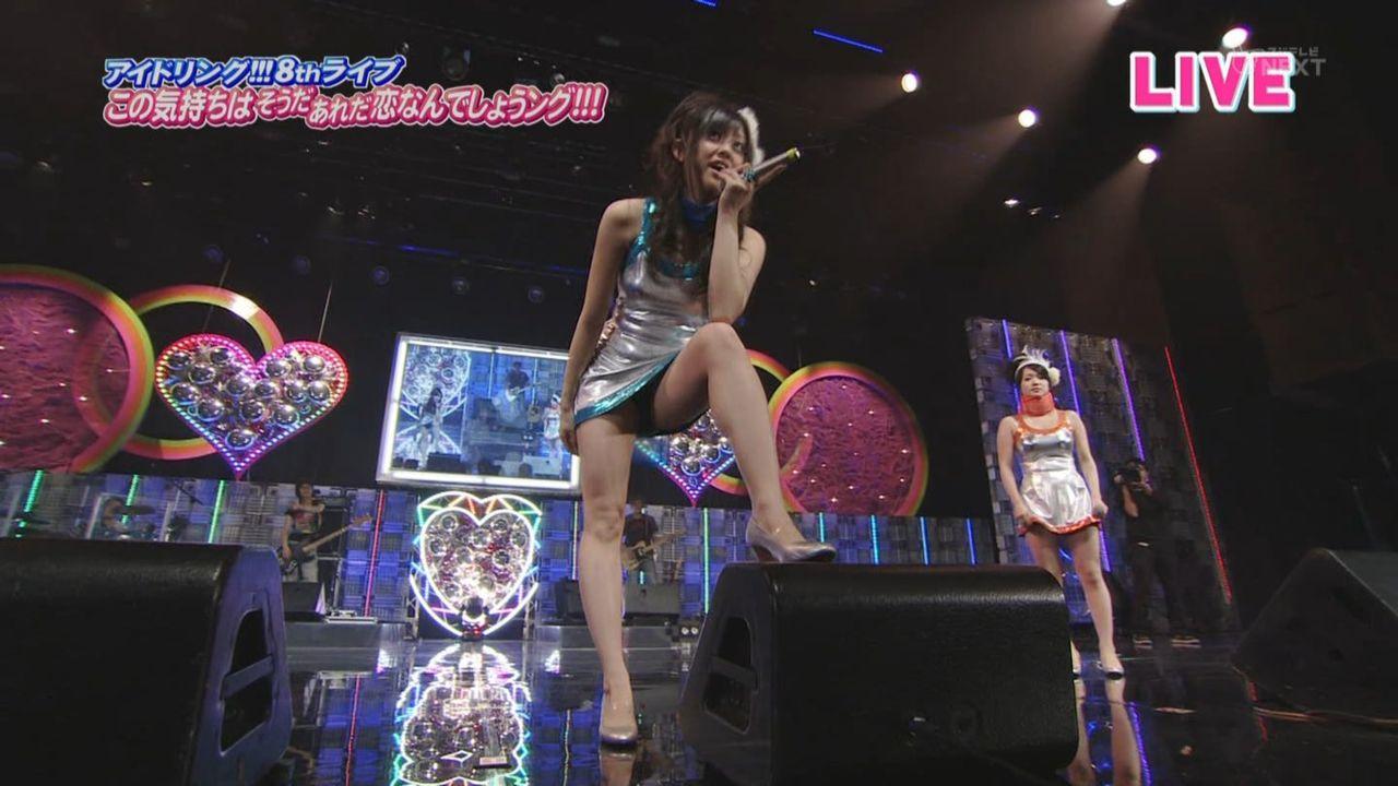 歌番組ローアングルパンチラ エロ画像25枚!AKB48等のアイドル達の下半身がマジ抜けるwww・14枚目の画像