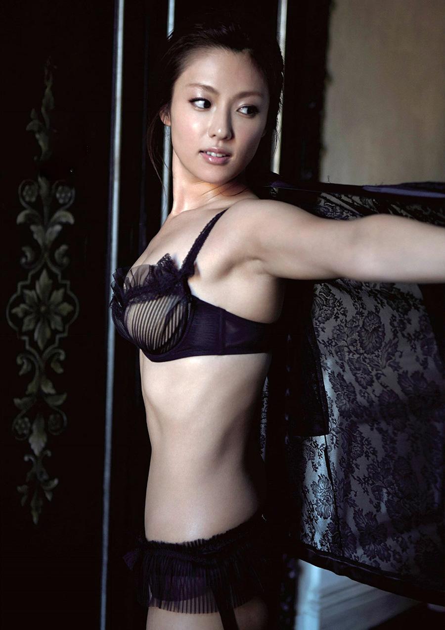 深田恭子(35)のアイコラヌード&写真集水着グラビアエロ画像98枚・32枚目の画像