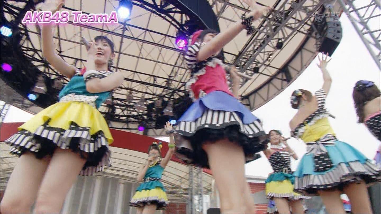 歌番組ローアングルパンチラ エロ画像25枚!AKB48等のアイドル達の下半身がマジ抜けるwww・19枚目の画像