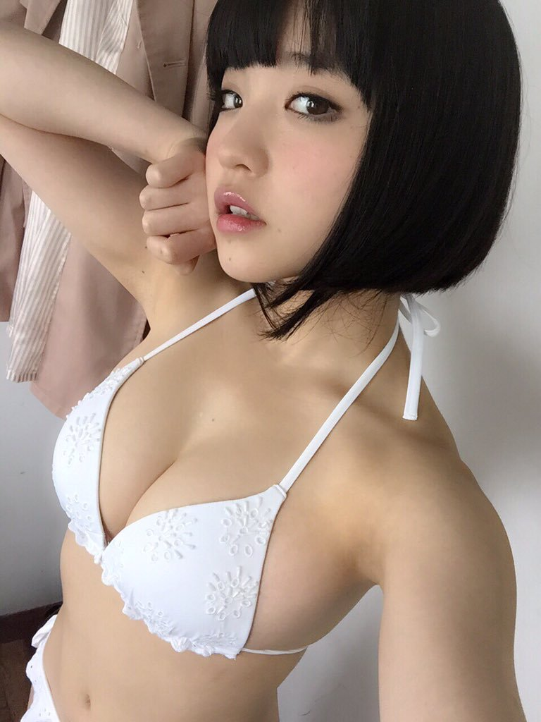 根本凪(18)GカップJKアイドルの水着グラビアエロ画像70枚・60枚目の画像