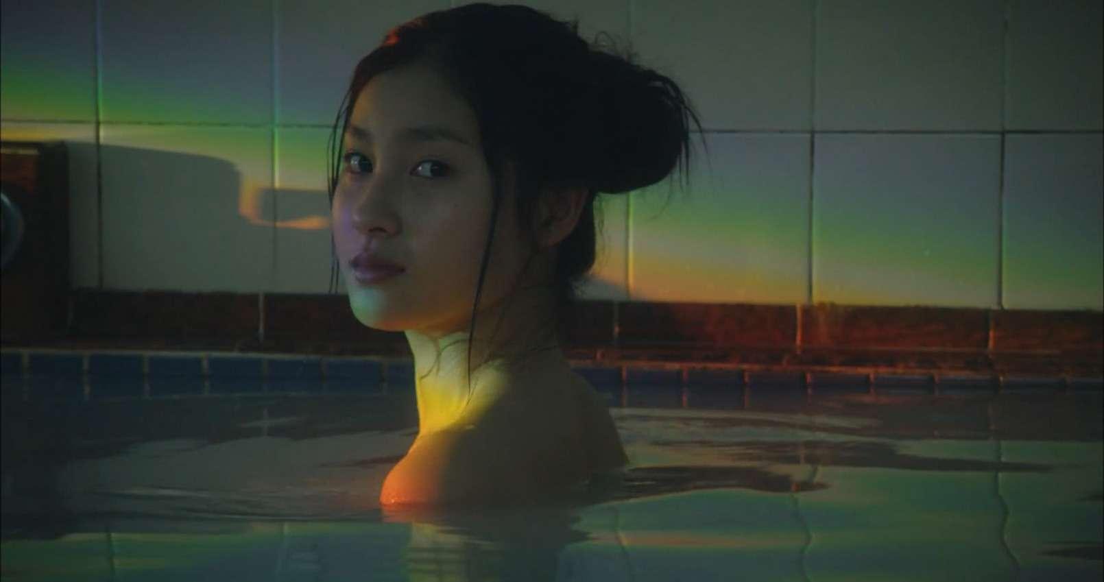 土屋太鳳(22)のアイコラ・胸チラ・グラビア…etcエロ画像80枚・96枚目の画像