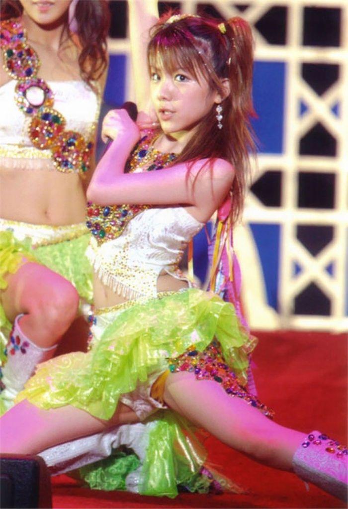歌番組ローアングルパンチラ エロ画像25枚!AKB48等のアイドル達の下半身がマジ抜けるwww・27枚目の画像
