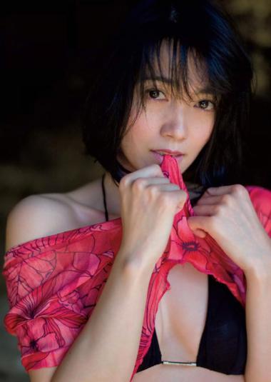 遠藤久美子 セミヌードエロ画像30枚!エンクミ38歳の完熟ボディが結構エロくてまだまだイケるwww・24枚目の画像