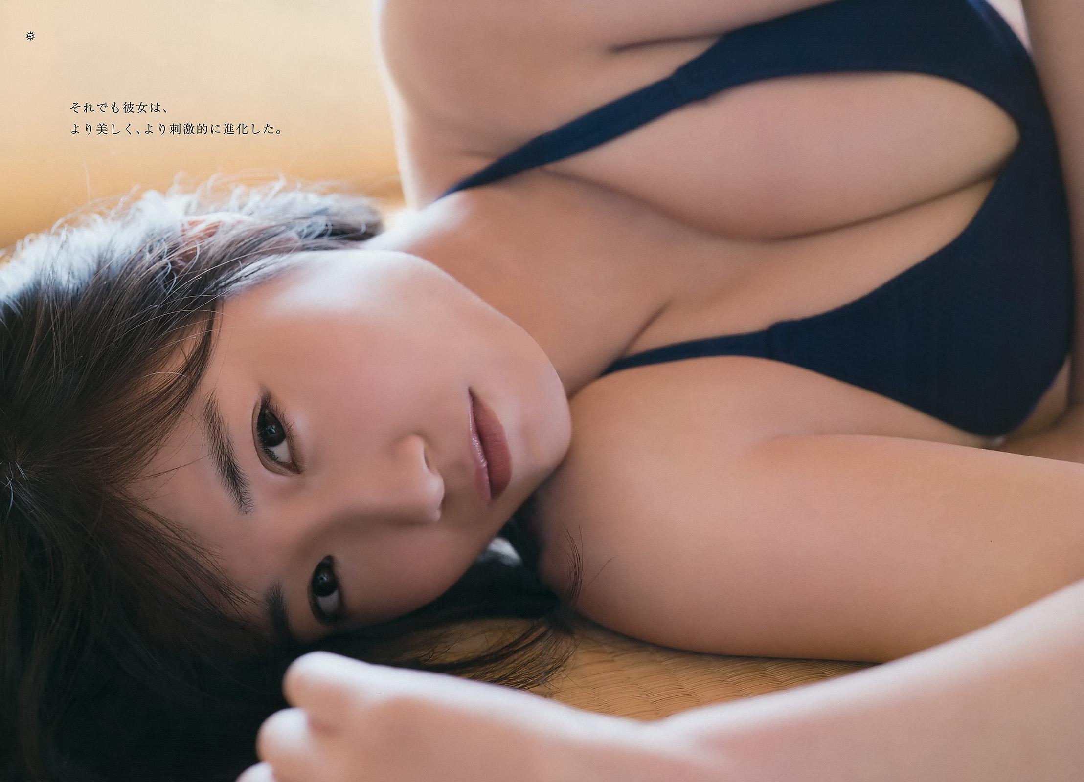 HKT48朝長美桜(19)の水着グラビア、キャバ嬢姿のエロ画像50枚・35枚目の画像