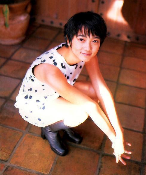 遠藤久美子 セミヌードエロ画像30枚!エンクミ38歳の完熟ボディが結構エロくてまだまだイケるwww・32枚目の画像
