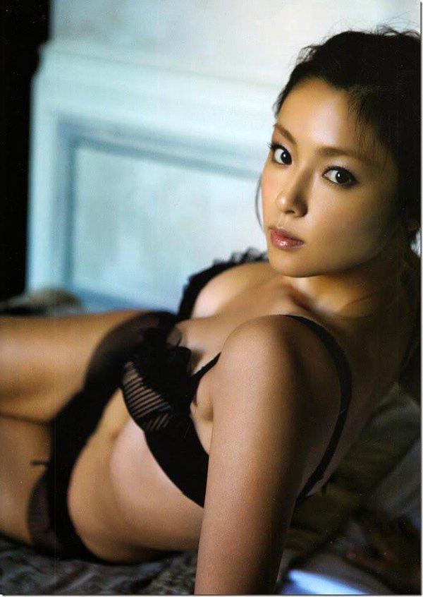 深田恭子(35)のアイコラヌード&写真集水着グラビアエロ画像98枚・43枚目の画像