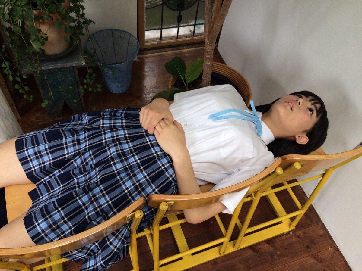 浅川梨奈(18)のアイコラヌード&最新グラビアエロ画像136枚・120枚目の画像