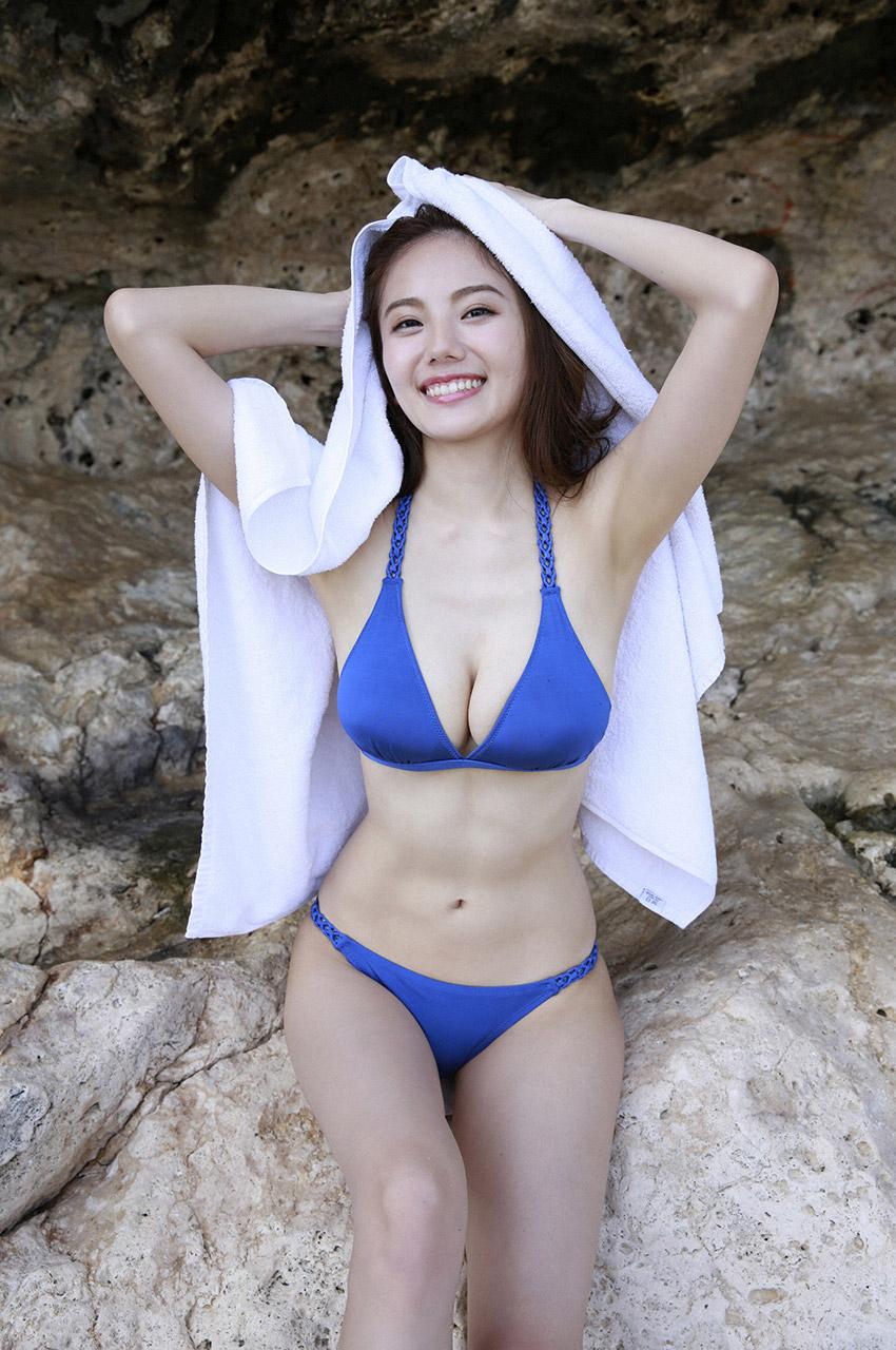 伊東紗冶子(23)Gカップキャスターの水着グラビア画像60枚・56枚目の画像