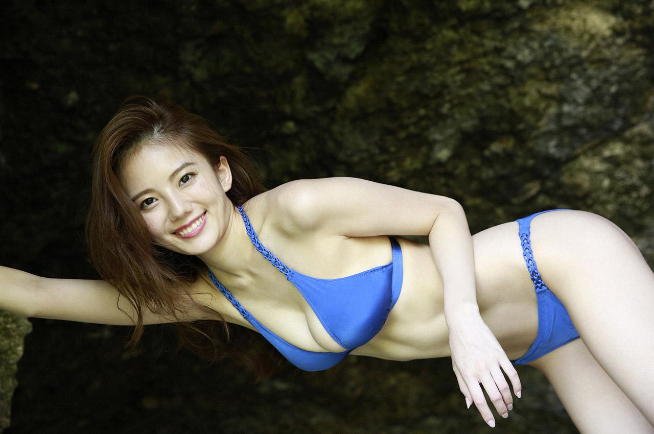 伊東紗冶子(23)Gカップキャスターの水着グラビア画像60枚・62枚目の画像
