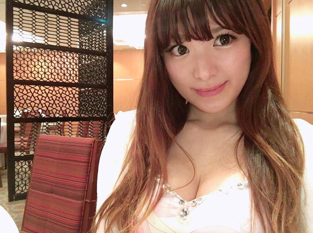 ジャズピアニスト高木里代子 エロ画像43枚!NHKで胸チラしまくってぷるんぷるん演奏www・40枚目の画像