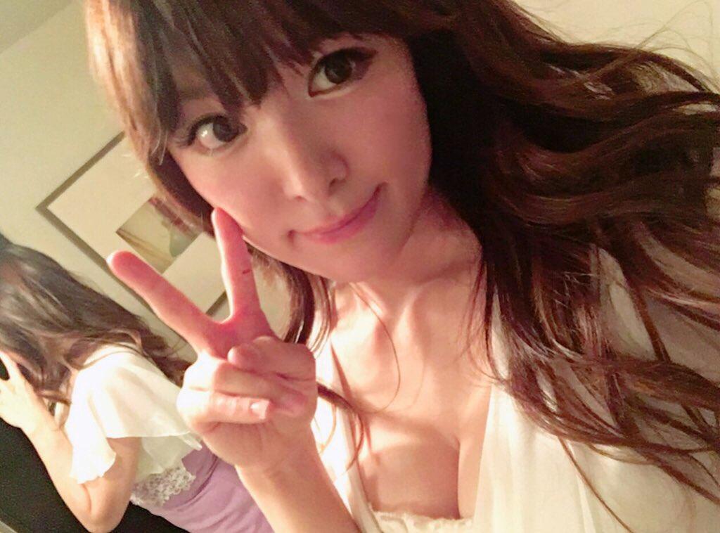 ジャズピアニスト高木里代子 エロ画像43枚!NHKで胸チラしまくってぷるんぷるん演奏www・44枚目の画像