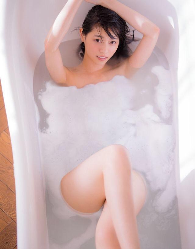 西野七瀬(23)の電影少女エロキャプ、写真集水着画像等163枚・166枚目の画像