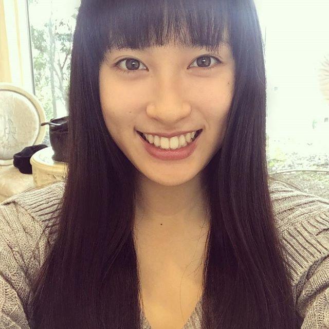 土屋太鳳(22)のアイコラ・胸チラ・グラビア…etcエロ画像80枚・37枚目の画像