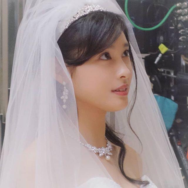 土屋太鳳(22)のアイコラ・胸チラ・グラビア…etcエロ画像80枚・43枚目の画像