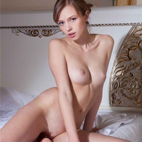 ロシアンモデルのぬーどえろ写真100枚☆こんな売春婦ならいくらでも払うわww|えろ牧場