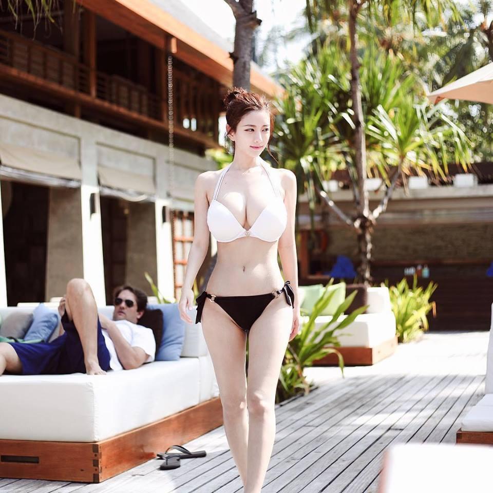 S級ランクの韓国モデル(シロウト)のヌけるえろ写真まとめ30枚