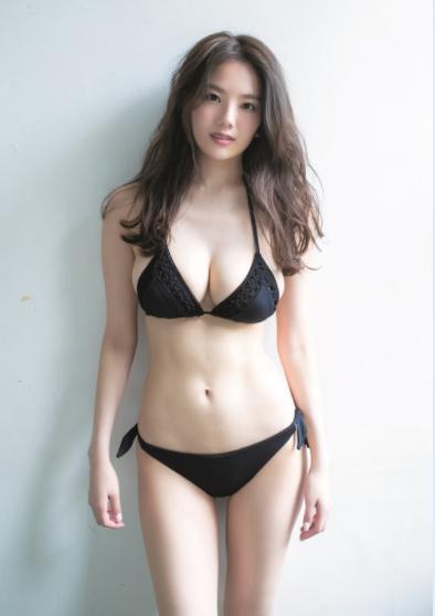 伊東紗冶子(23)Gカップキャスターの水着グラビア画像60枚・20枚目の画像