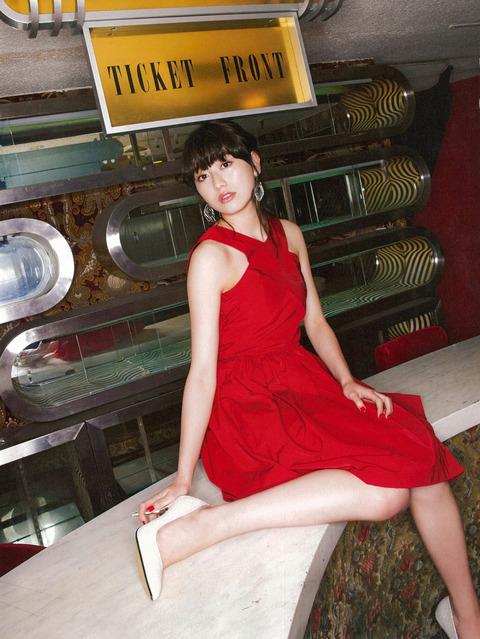 欅坂46守屋茜の最新グラビアや抜けるエロ画像90枚・16枚目の画像