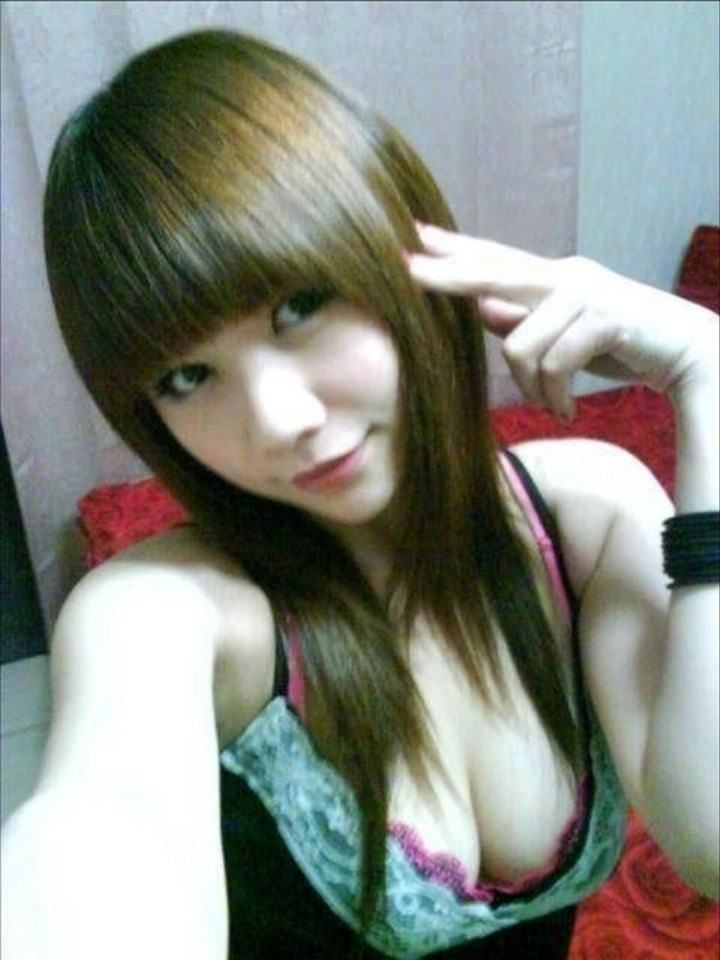 台湾美女の全裸自画撮りヌードエロ画像37枚・4枚目の画像