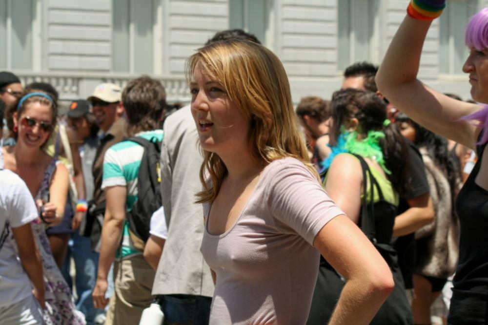 乳首ポッチしてる外国人素人さんの盗撮エロ画像30枚・10枚目の画像