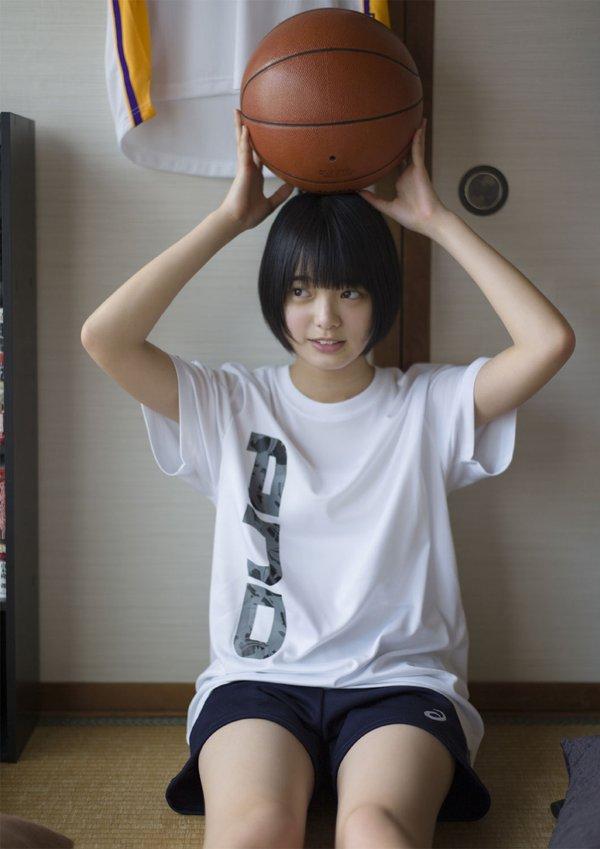 欅坂46センター平手友梨奈のアイコラ&グラビアエロ画像58枚・10枚目の画像