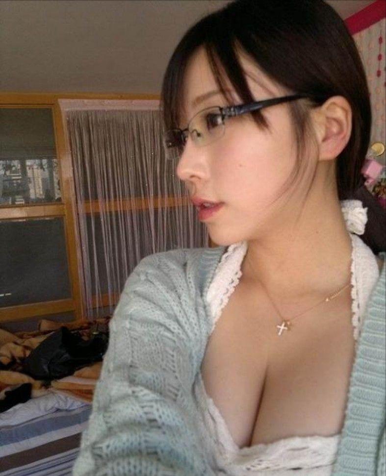 台湾美女の全裸自画撮りヌードエロ画像37枚・10枚目の画像