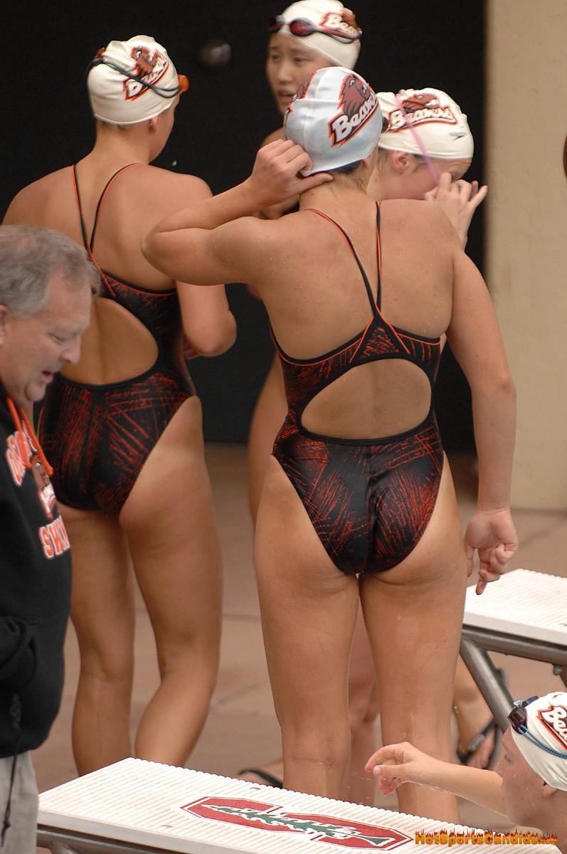 外国人の胸ポチ、ハミ尻が抜ける競泳水着姿のエロ画像33枚・10枚目の画像